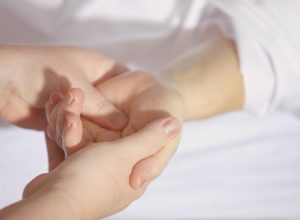 Prevent and Manage Carpal Tunnel With These Tips