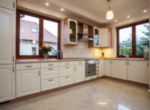 Installing Custom Kitchens