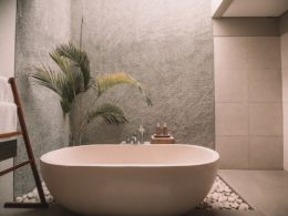 Bathtub refinishing service