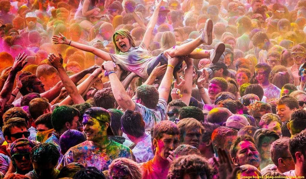 Holi tour celebrations in Barsana